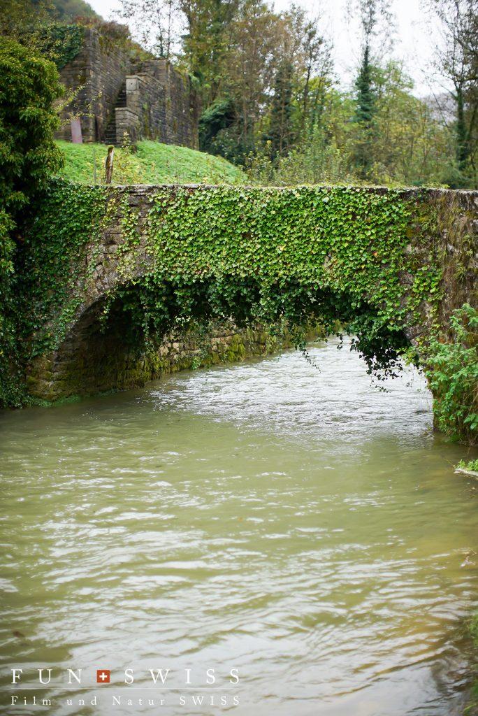 村外れの石橋