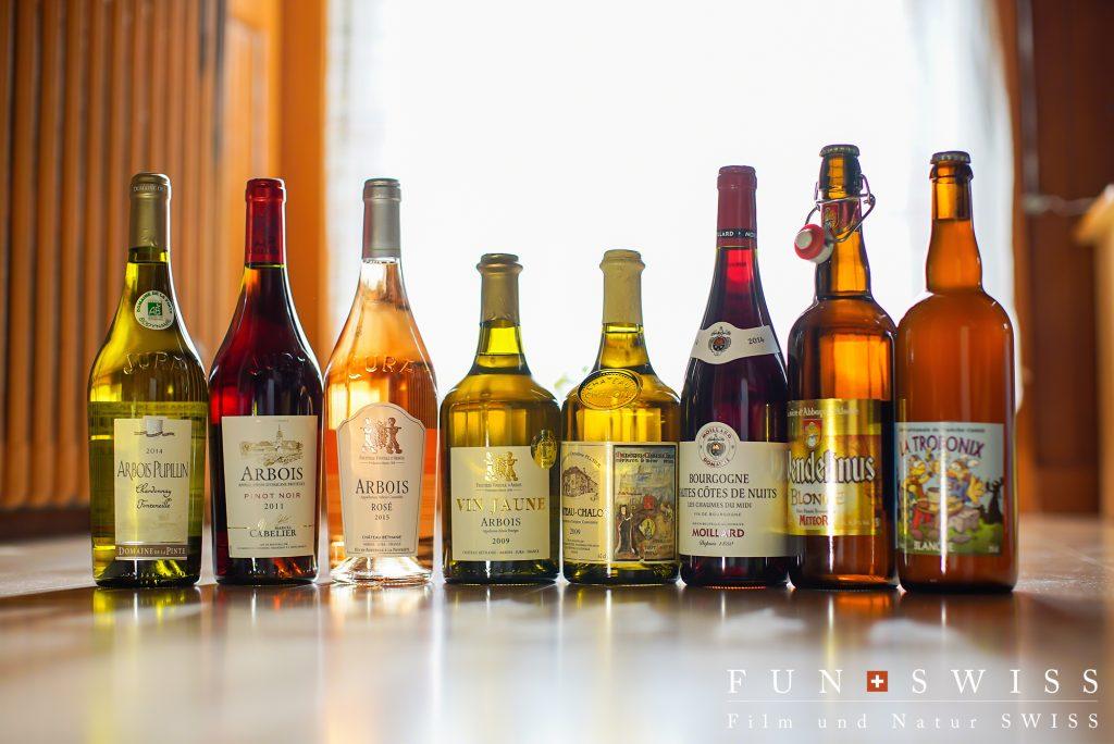 赤ワイン用のピノ・ノワール、トゥルソー、プールサール、白ワイン用のシャルドネ、サヴァニャン