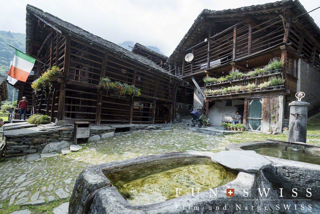 ヴァルサーの伝統的建築様式