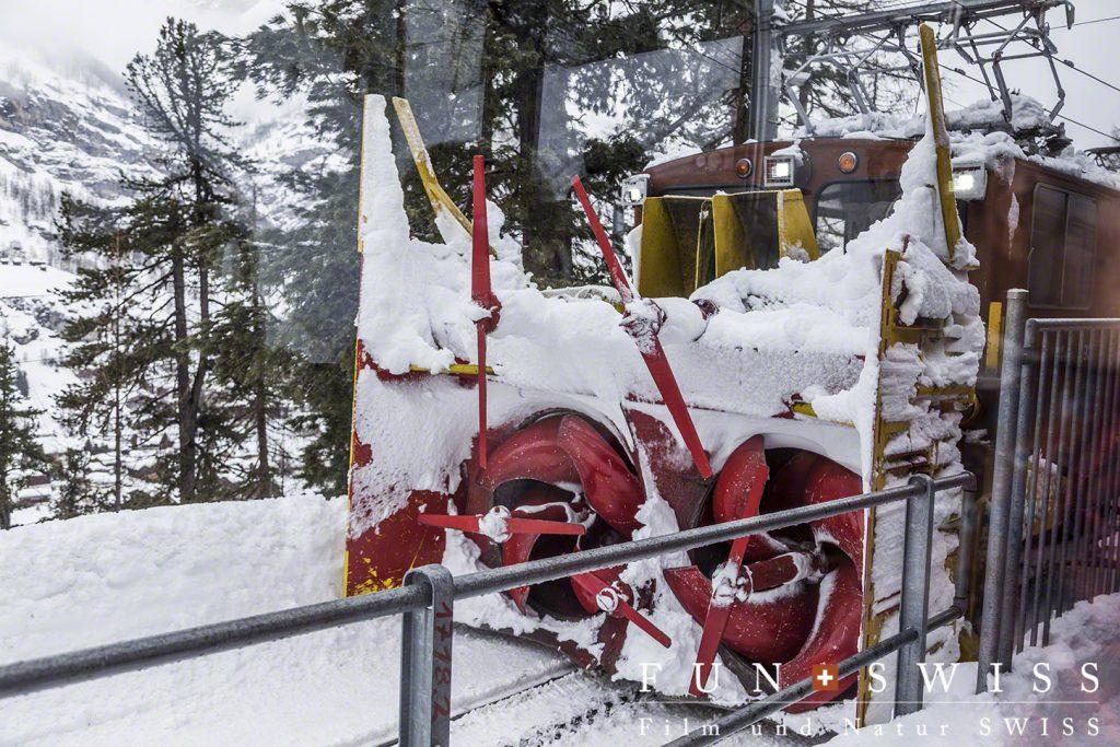 ゴルナグラート鉄道の除雪車