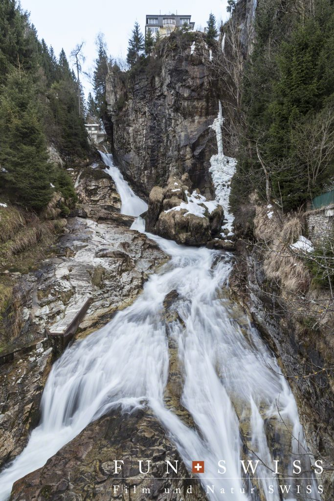 バドガシュタインの滝。3段で341mの高低差。