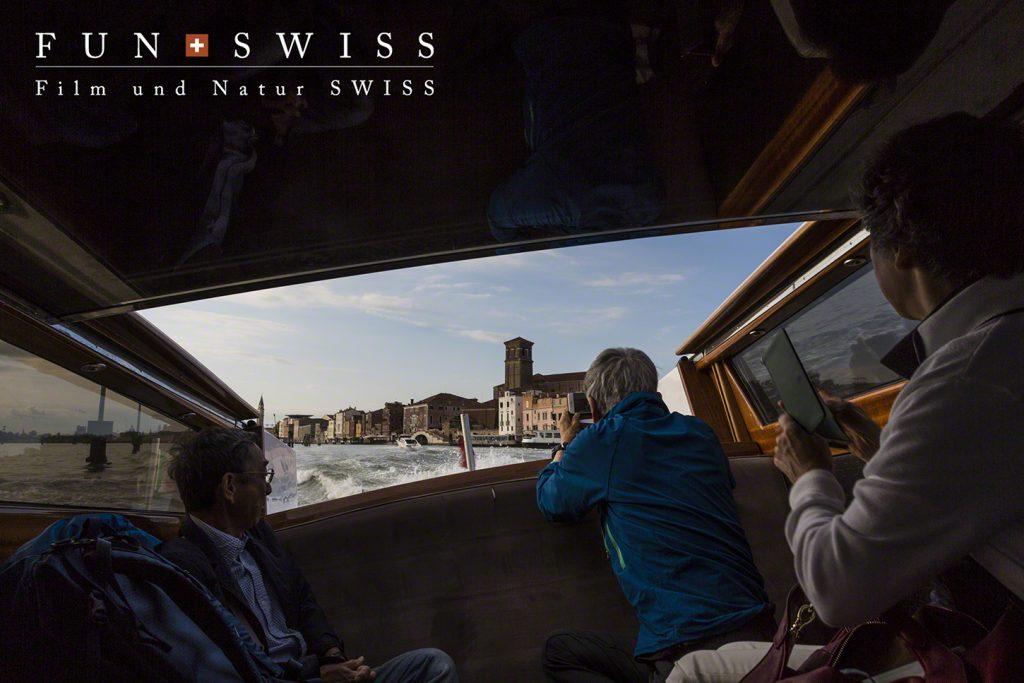 ヴェネチアのタクシーも、もちろんボートです☆