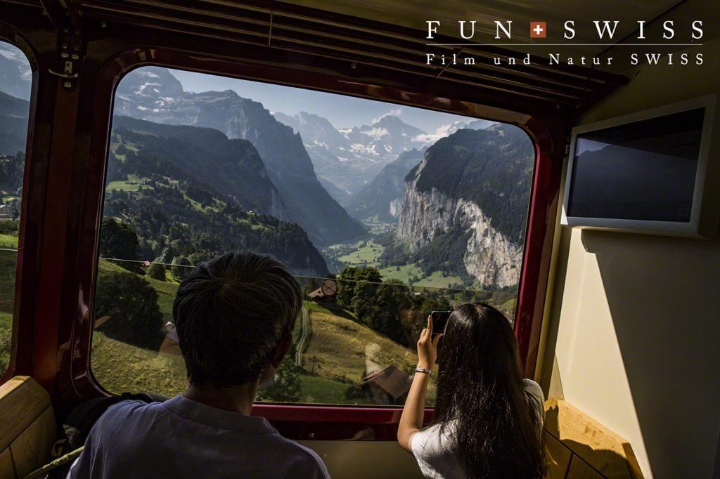ラウターブルーネンからの登山列車