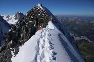 アイガー頂上への最後の稜線