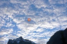 ヴェターホルンと鱗雲