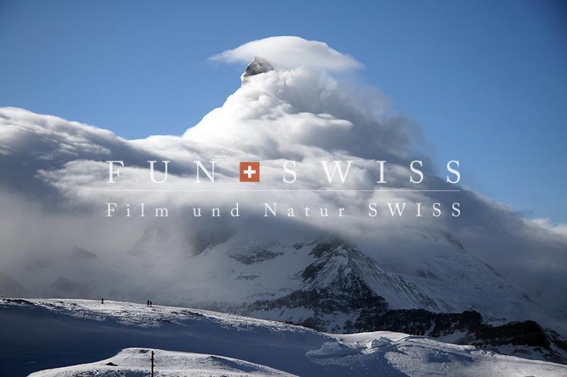 雲に包まれるマッターホルン