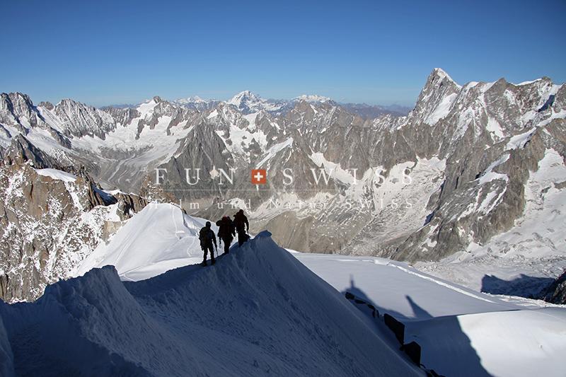 エギュー・ドゥ・ミディからの登山者2