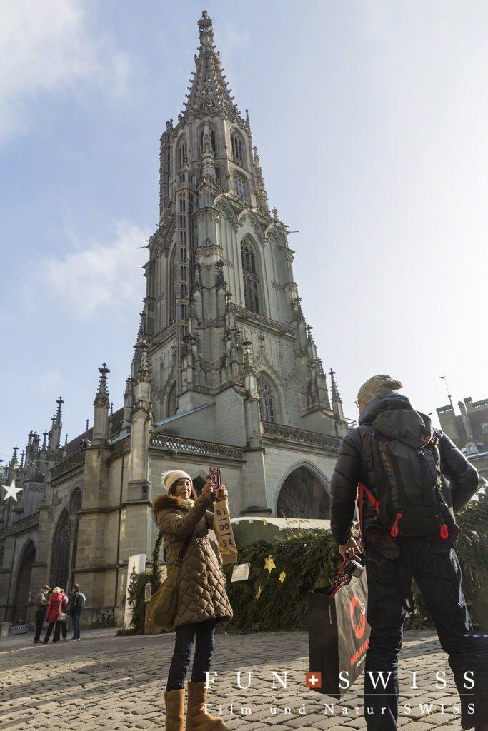 大聖堂前の広場もクリスマス市☆