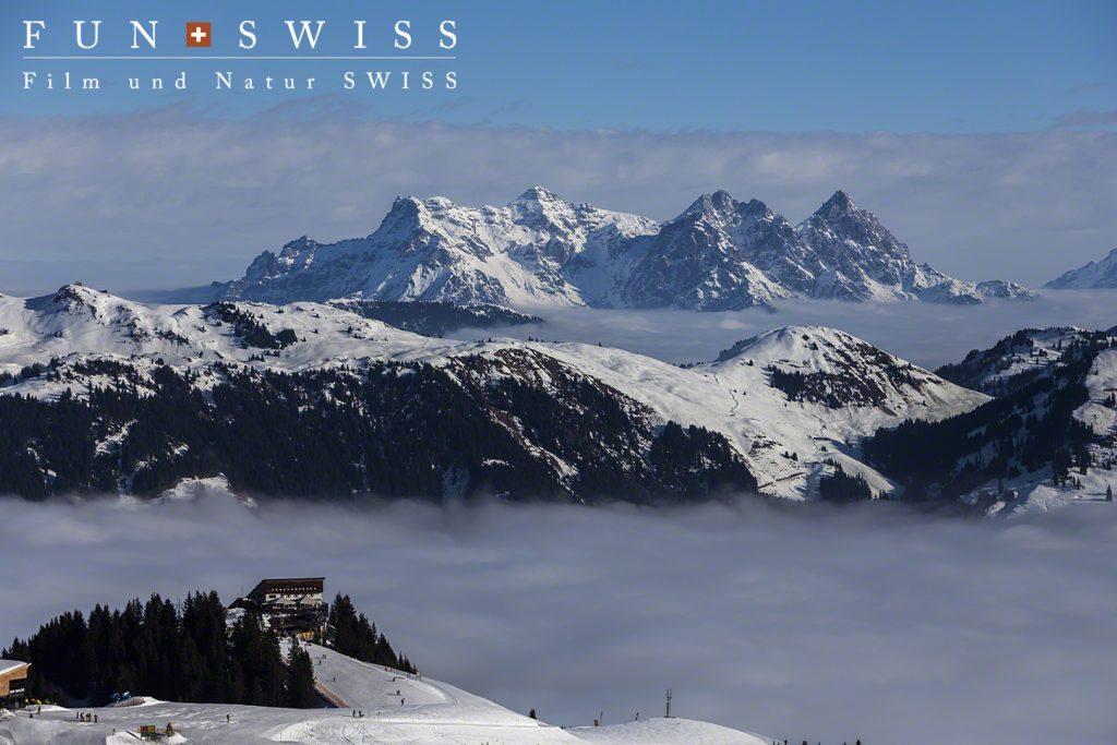 ローフェラー・シュタインベルゲが雲海の上に。