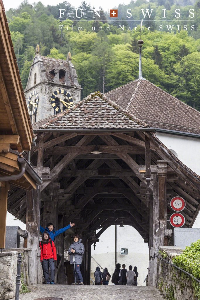 昔ながらの木製橋