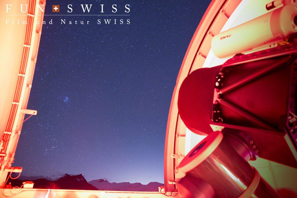ツアーに入れば、クルムホテルの天文台から何光年もかなたの星雲まで見ることが!!!