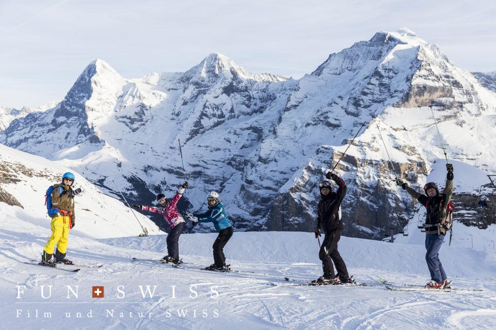 ベルナーオーバーラント三山に向かって滑れる絶景コース☆