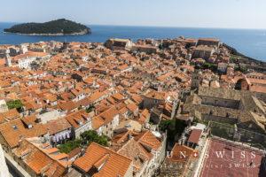 城壁から一望する旧市街とロクルム島