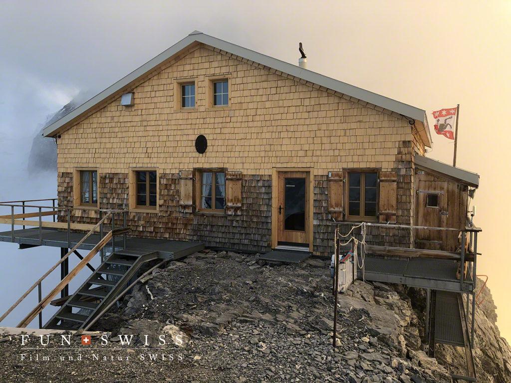 今年、新たに増築されて少し大きくなったミッテルレギ小屋(お客様ご提供写真)