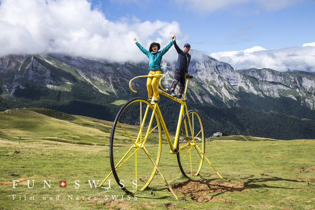 ツール・ド・フランスのシンボルに大きな自転車が!!!
