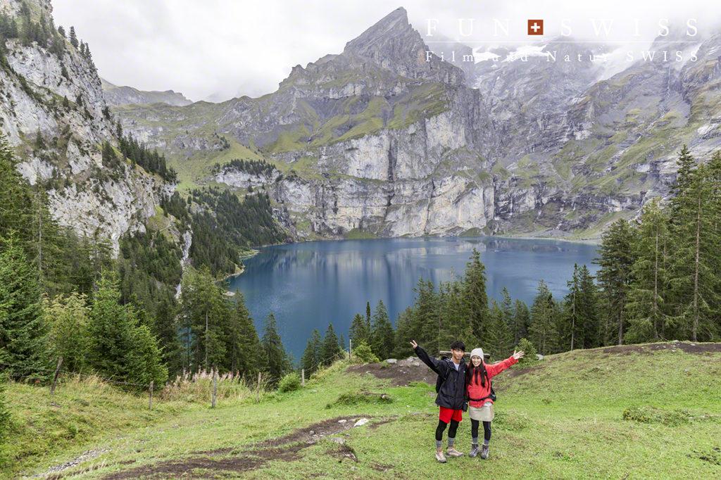 氷河湖の独特の色合いのエッシネン湖に到着!