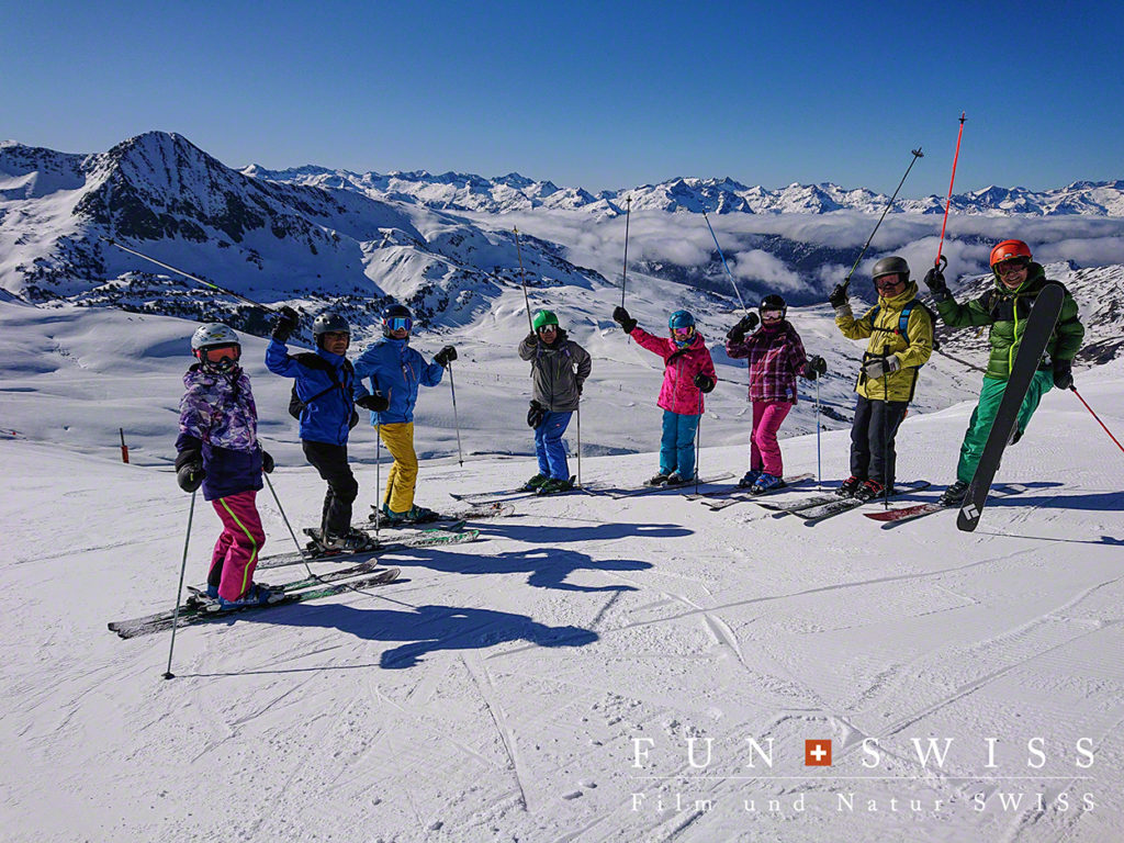 毎年、二か国にまたがるスキーツアーを楽しむ超お元気な皆々様
